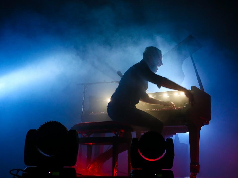 שלומי שבן ופסנתר / איתמר דוארי הקשה